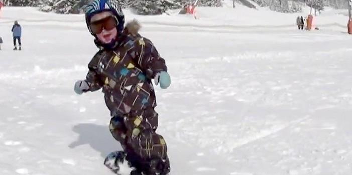 baby snowboarder 2 years old timéo kidscanride com